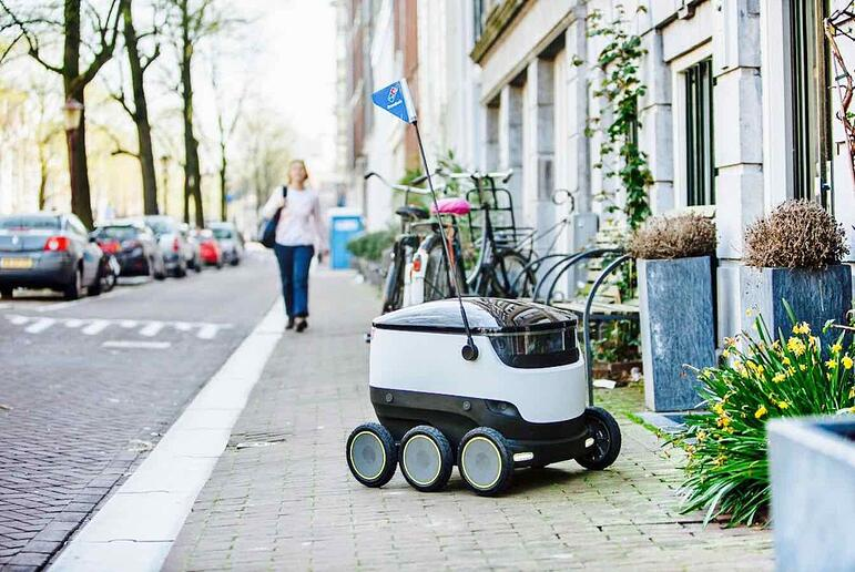 Delivery robot for ecommerce